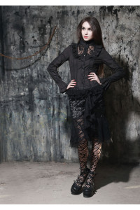 chemise-noir-gothique-aristocrate-pour-femme-boutique-gothique-en-ligne-paris-vetement-gothique (1)